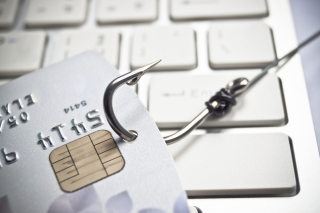 Shutterstock_197054231 - cyber credit card threat