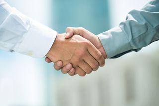 Handshake_144788374