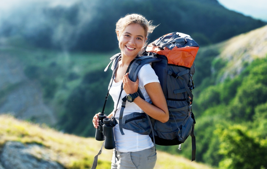 Girl-hiking-the-Appalachian-trail